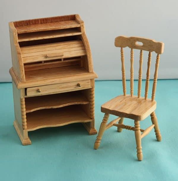poppenhuis secretaire met stoel
