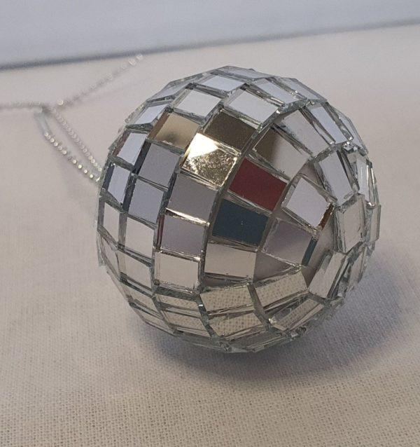discobal poppenhuis