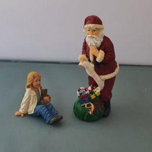 poppenhuis kerstman met meisje