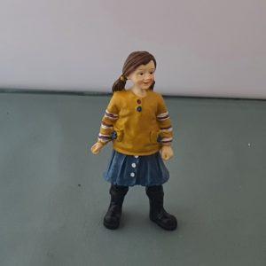 poppenhuis meisje in rok